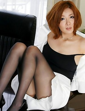 japanese,office,pantyhose,redhead,secretary,solo,yuna hirose,