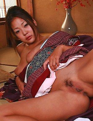 babes,kimono,masturbating,sexy,solo,