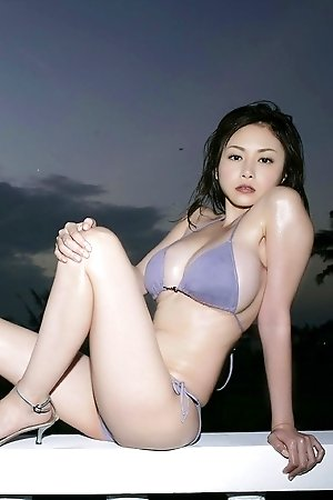 anri sugihara,beach,bikini,idols,japanese,nonnude,outdoors,solo,