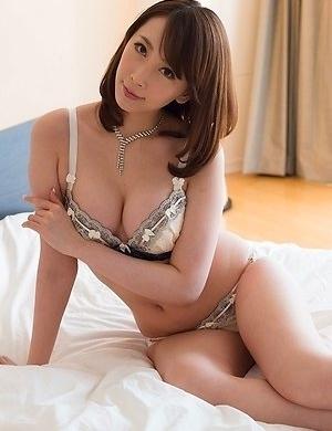aya kisaki,bed,fetish,foot,japanese,legs,lingerie,stockings,