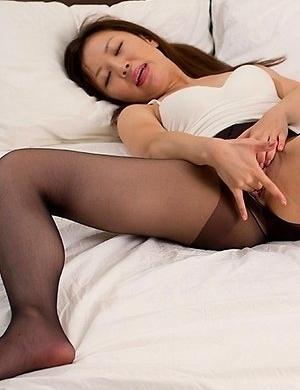 fetish,foot,japanese,legs,masturbating,pantyhose,pussy,shizuka maeshiro,solo,